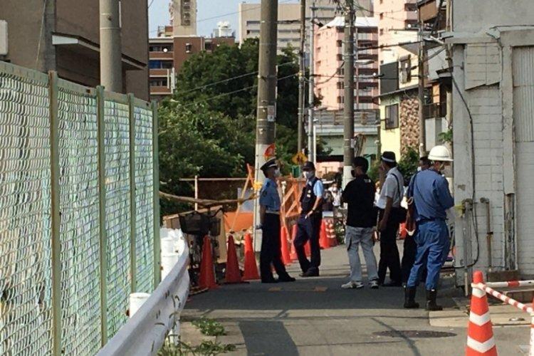 Japonya'da iki bina çöktü, facianın eşiğinden dönüldü