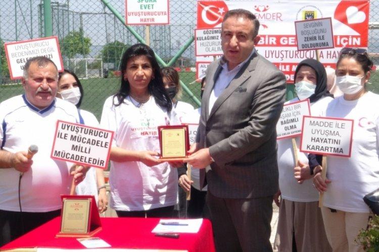 Bursa'da anneler uyuşturucuyla mücadele için sahada