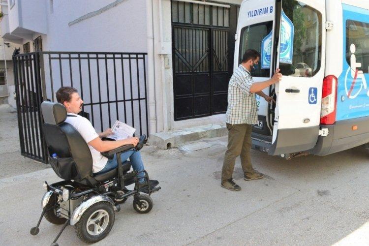 Sınava girecek engelli gence Bursa Yıldırım Belediyesi'nden destek