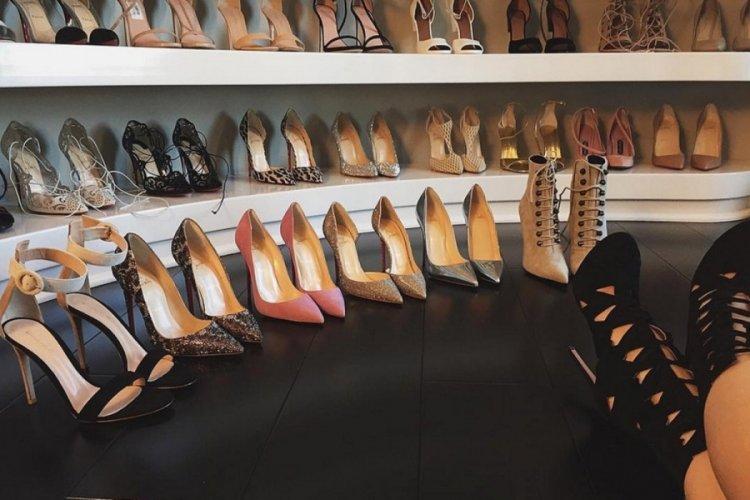 139 çift kadın ayakkabısı çaldı!