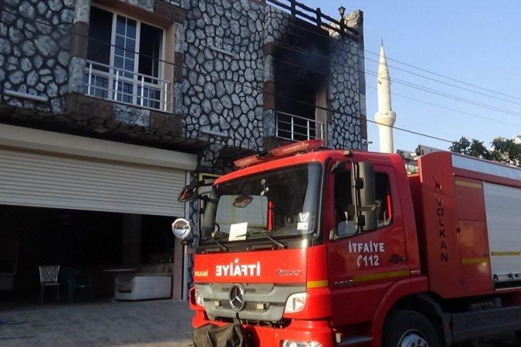 Boşanma aşamasında olan kadın evini yaktı