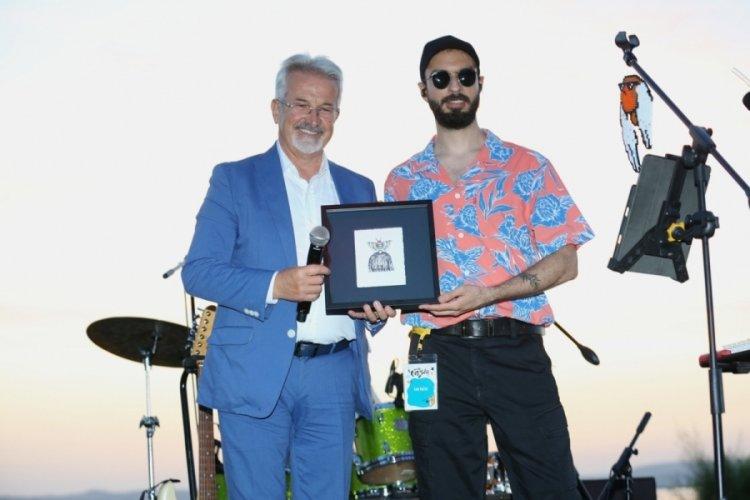 Bursa'da Can Kazaz'dan göl kıyısında muhteşem konser