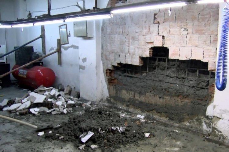 Tekstil atölyesinin duvarı çöktü! 1 yaralı