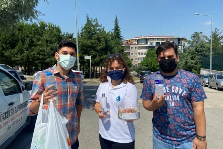 Bursa'da DEVA Partisi, YKS öğrencilerini yalnız bırakmadı