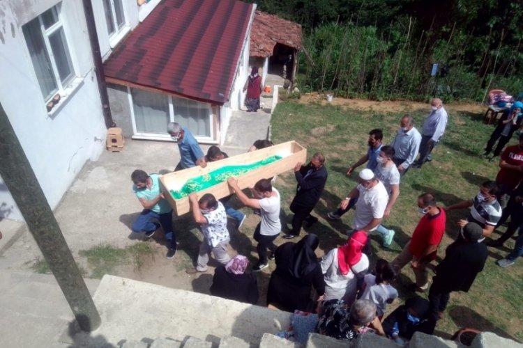 Minibüsün çarpmasıyla ölen Yasin, defnedildi
