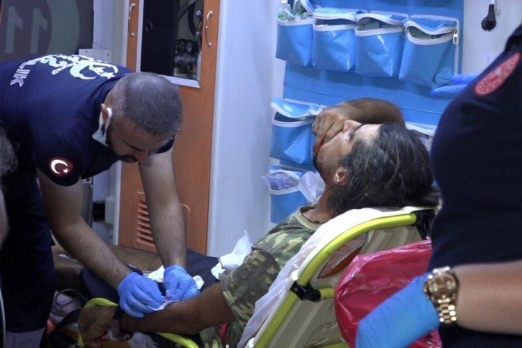 Denizi kirletme yüzünden tartışma çıktı: 2 kişiyi boğazından falçatayla yaraladı