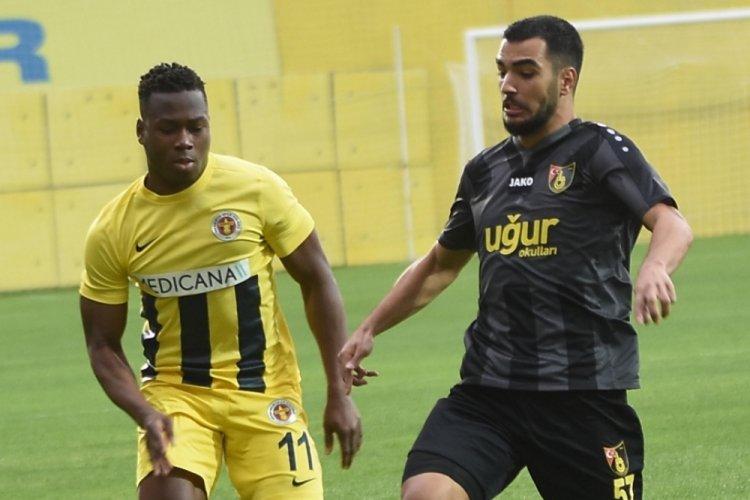 Menemenspor'da Tidjani Anaane takımda kaldı
