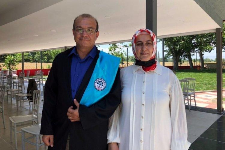 Bursa'da emekli astsubay, üniversiteyi bölüm birincisi olarak bitirdi