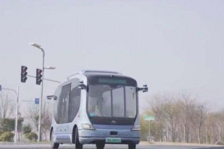 Çin'de sürücüsüz otobüs ve taksiler hizmete giriyor