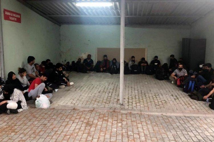 Bağ evinde, 32 kaçak göçmen yakalandı