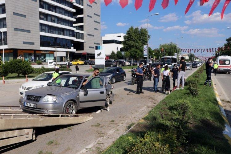 Edirne'de zincirleme trafik kazasında 3 kişi yaralandı