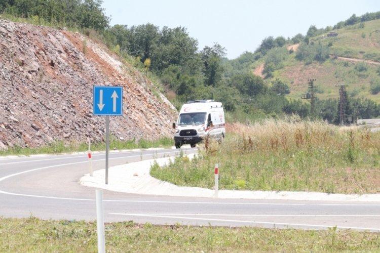 Sakarya'da göçük sonucu toprak altında kalan 2 işçi kurtarıldı