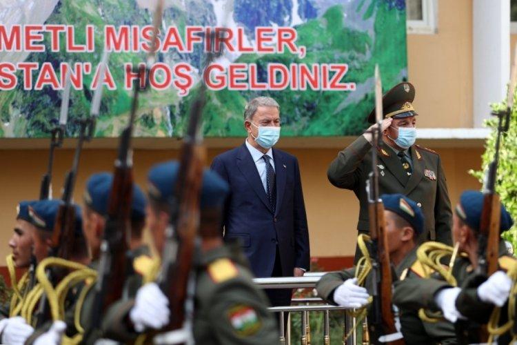 Bakan Akar Tacikistan Savunma Bakanı ile görüştü