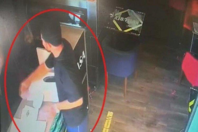 Kıymalı börek kalmadığını öğrenince satırla saldırdı, ardından alışveriş yaptı