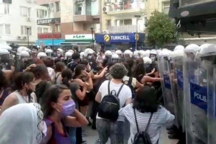 'İstanbul Sözleşmesi' protestosuna polislerden biber gazlı müdahale!