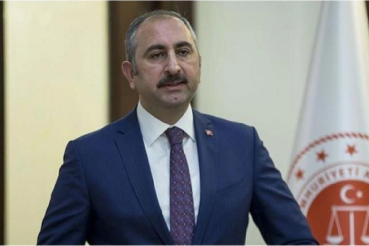 Adalet Bakanı Gül'den Hayvanları Koruma Kanunu açıklaması
