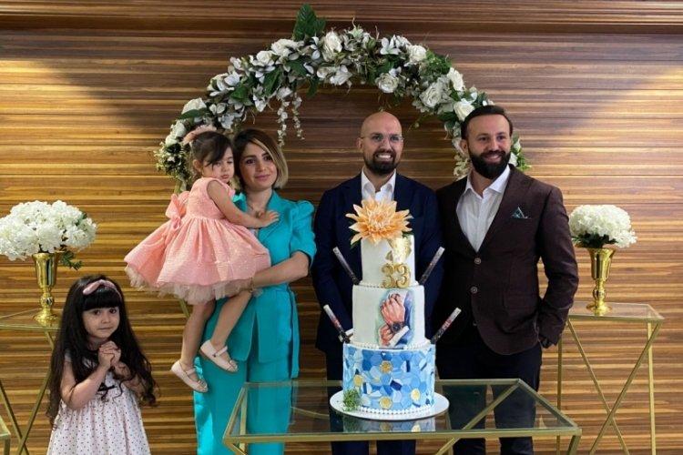 Bashel İzo, doğum gününü sağlık çalışanlarıyla kutladı