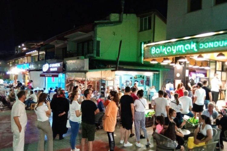 Kısıtlamaların sona ermesiyle Bursalılar kendilerini sokağa attı