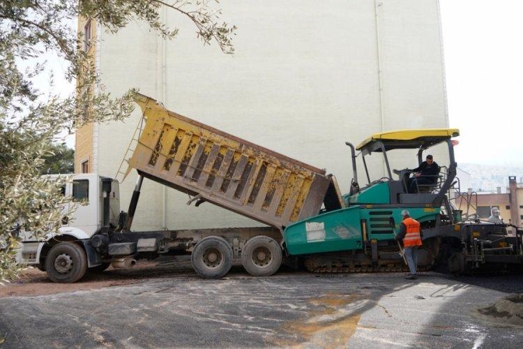 Bursa Kestel Belediyesi, sokak kısıtlamalarında asfalt mesaisine ara vermedi