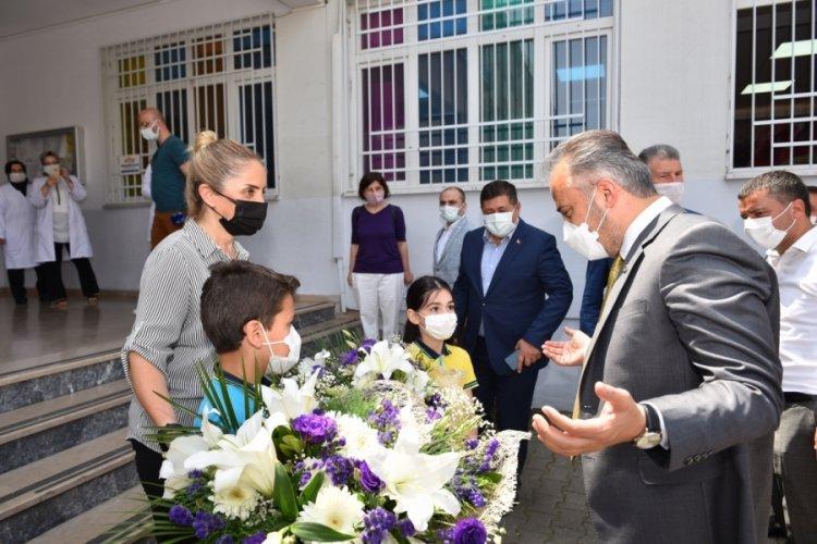 Bursa'da küçük yazarlara sürpriz ziyaret