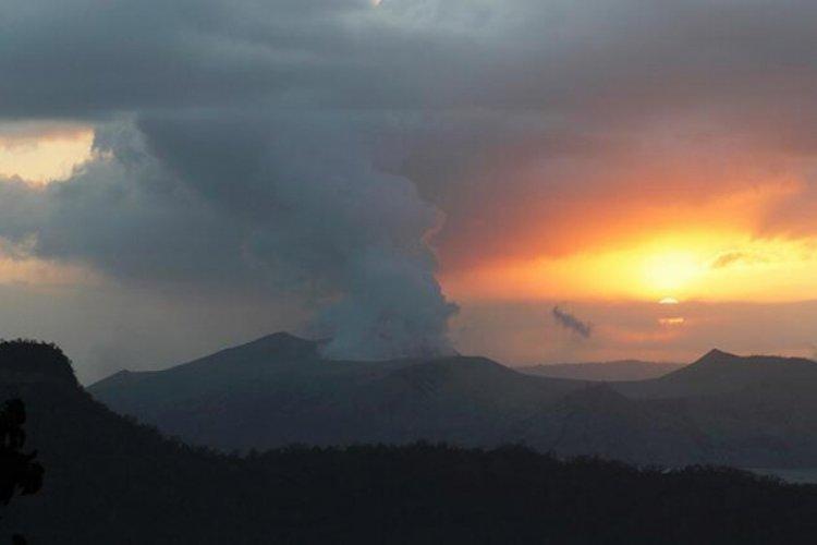 Yanardağ patlamak üzere: Binlerce kişi tahliye ediliyor
