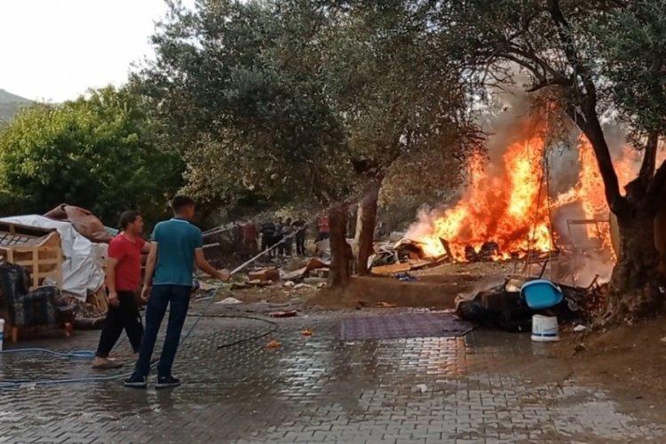 Eniştesine kızıp bahçesini ateşe verdi