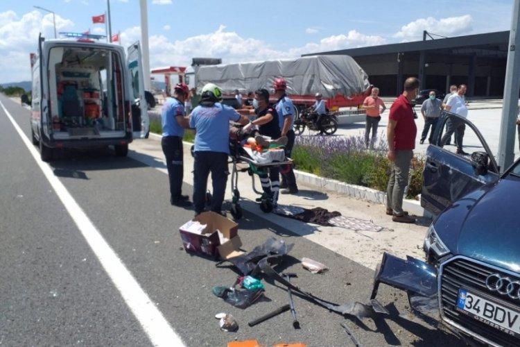 Balıkesir'de otomobiller çarpıştı: 1 ölü, 5 yaralı