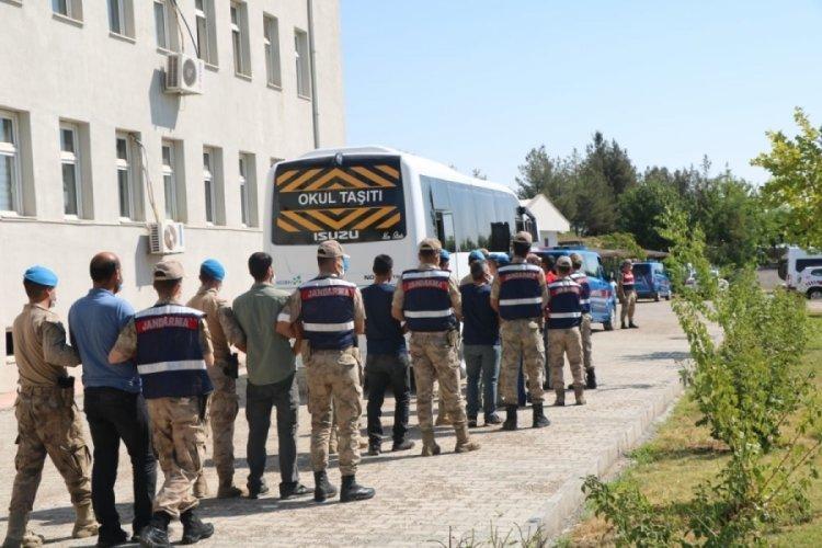 Diyarbakır'da teröre finansman olan 98 kişiye tutuklama