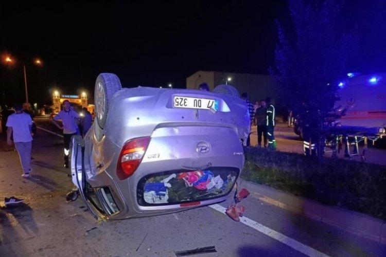 Yalova'da kaza yapan aracın hız kadranı 120'de takılı kaldı: 3 yaralı
