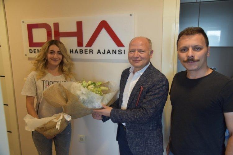 AK Parti Bursa İl Başkanı Gürkan, kadını saldırıdan kurtaran muhabirleri ziyaret etti