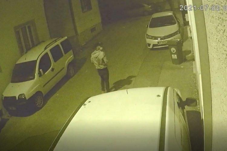 Bursa'da açık kalan evin camından içeri böyle girdi, hırsızlık yaptı