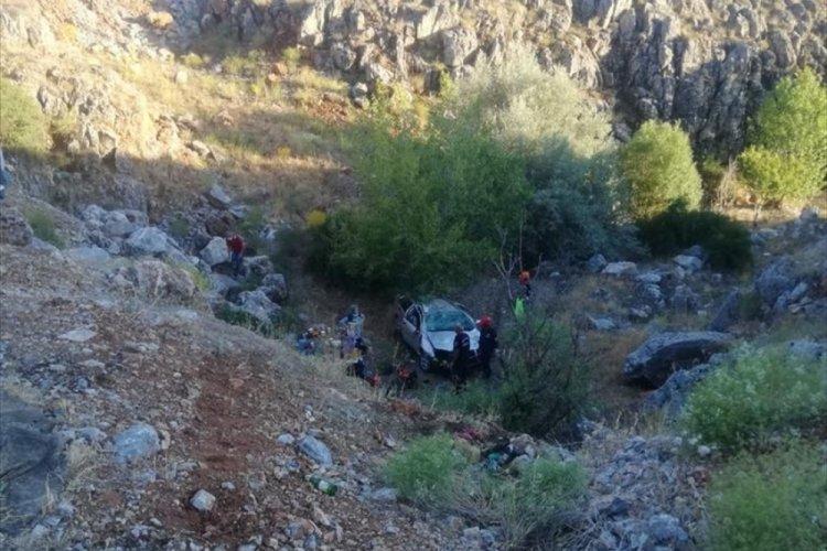 Feci kaza: 1 polis öldü 1 polis ise yaralı...