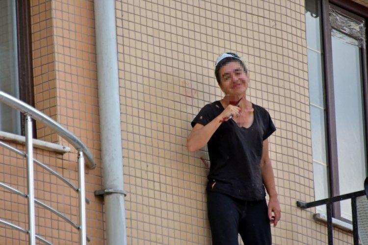 Konya'da korku dolu anlar! Balkonda intihara kalkıştı