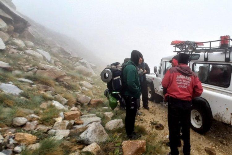 Bursa Uludağ'da kaybolan 4 arkadaş saatler sonra bulundu