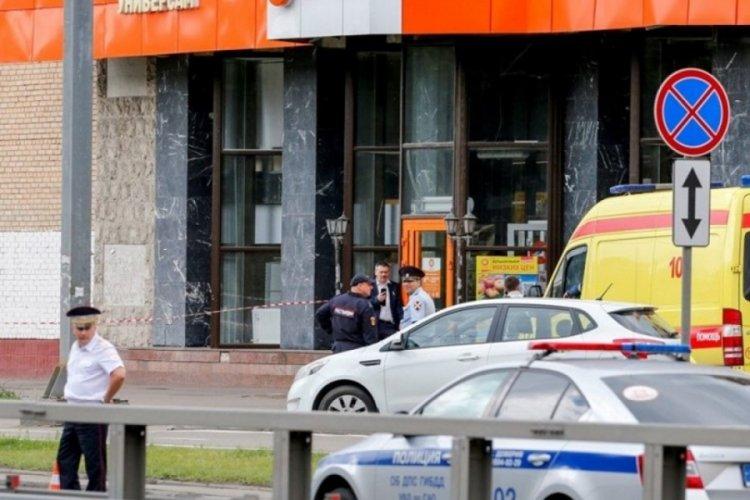 Rusya'da bankaya giren şüpheliler 3 kişiyi rehin aldı!