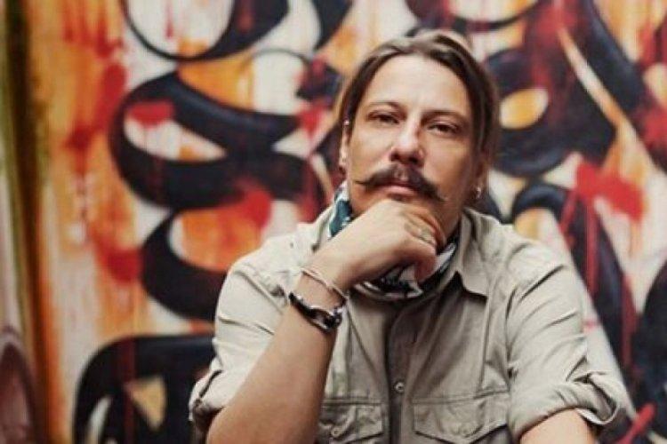 Gazeteci Erk Acarer saldırıya uğradı