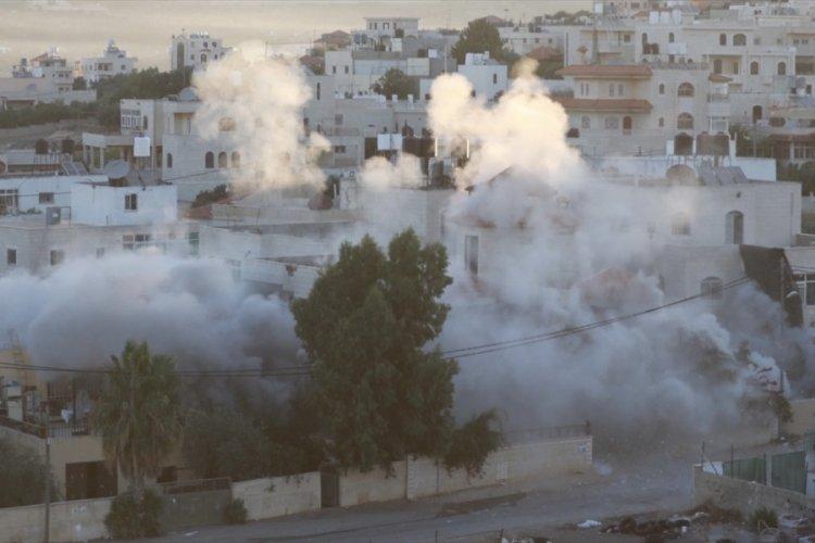İsrail, Batı Şeria'da Filistinli bir tutuklunun evini yıktı