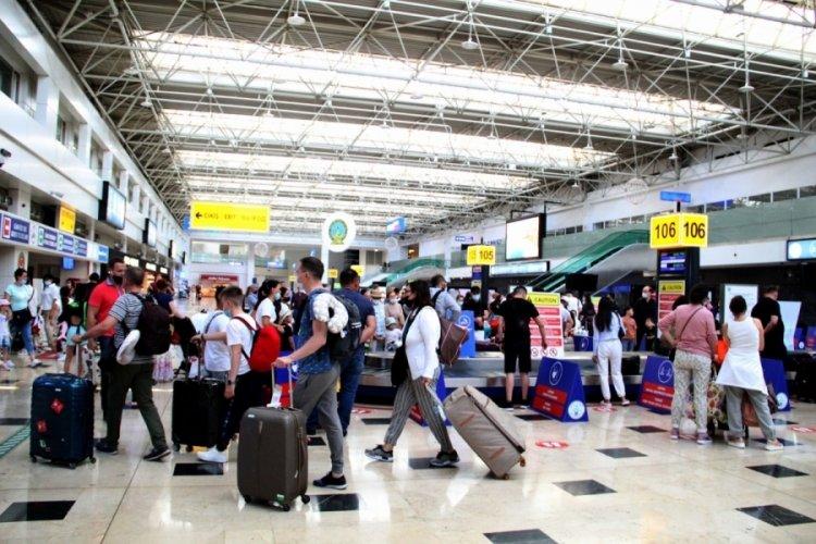 Antalya Havalimanı gelmiş geçmiş en yoğun döneminde!