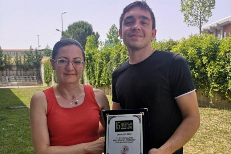Bursalı genç piyano sanatçısına festival ödülü