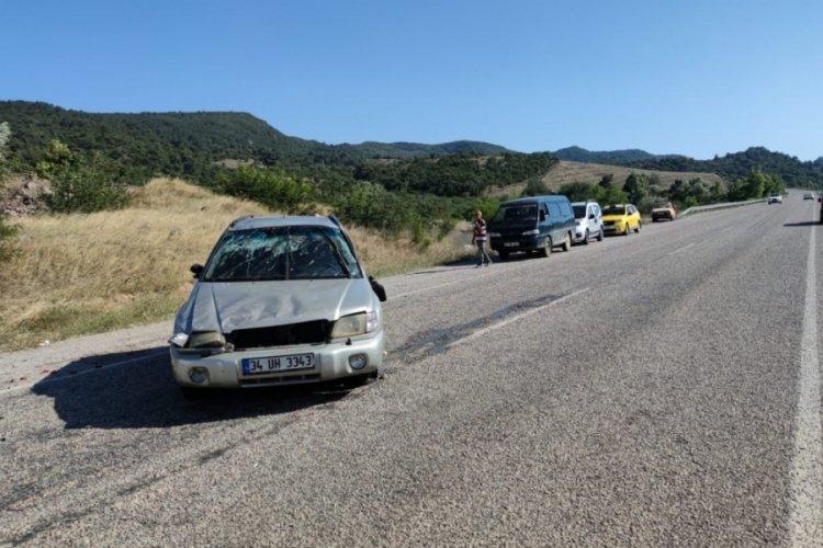 Takla atan araçta baba ve oğlu yaralandı