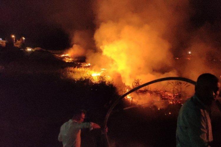 Burdur Gölü'nde sazlık yangını!
