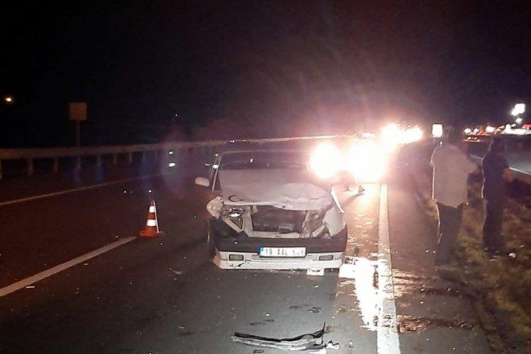 Otomobilin kamyonete çarptığı kazada 5 yaralı