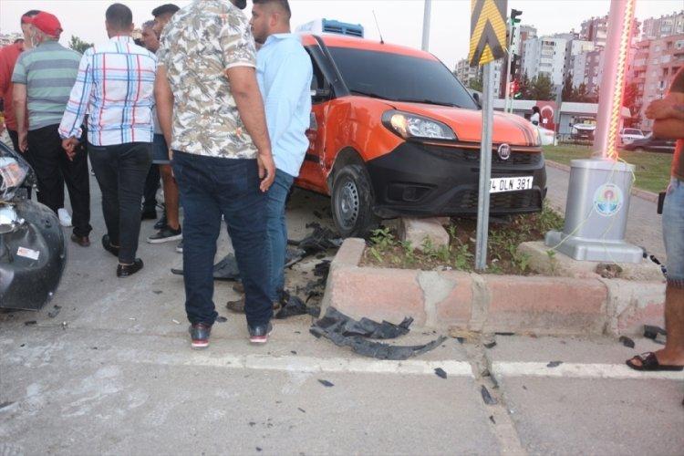 Çukurova'da kaza: 3 yaralı