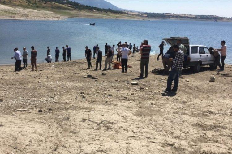Baba ve oğlu baraj göletinde boğuldu