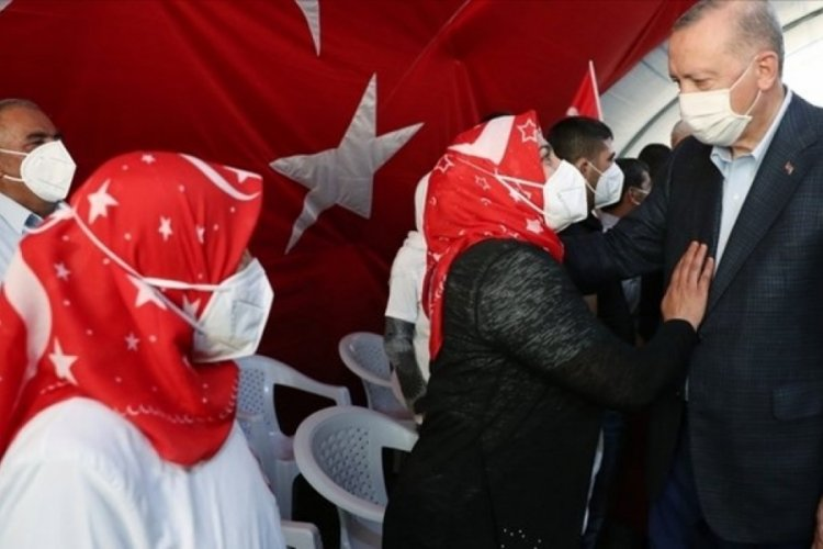 Diyarbakırlı anneden Cumhurbaşkan'ı Erdoğan'a: Sayende güç buluyoruz!