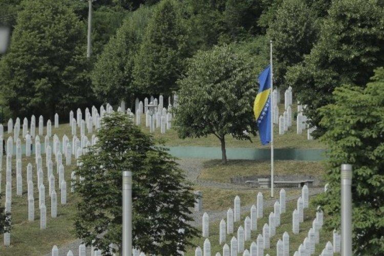 Srebrenitsa Katliamı'nın üstünden 26 yıl geçti