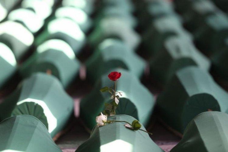 Bakanlar, Srebrenitsa kurbanlarını andı