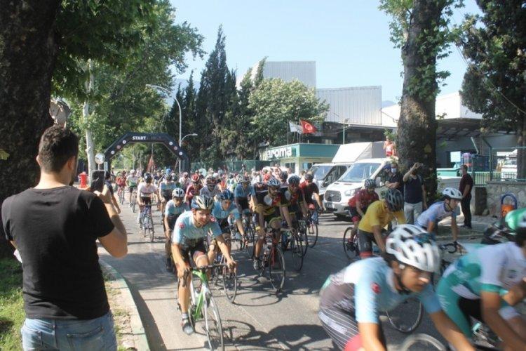 Bursa'da bisiklet tutkunları yarıştı