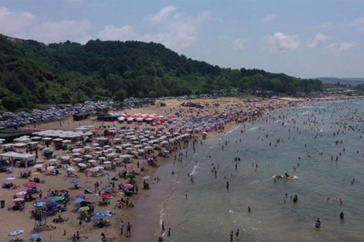 Tatili fırsat bilen, Şile plajlarına akın etti!