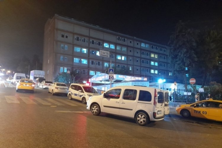 Acil servis önünde silahlı saldırı: 3 yaralı